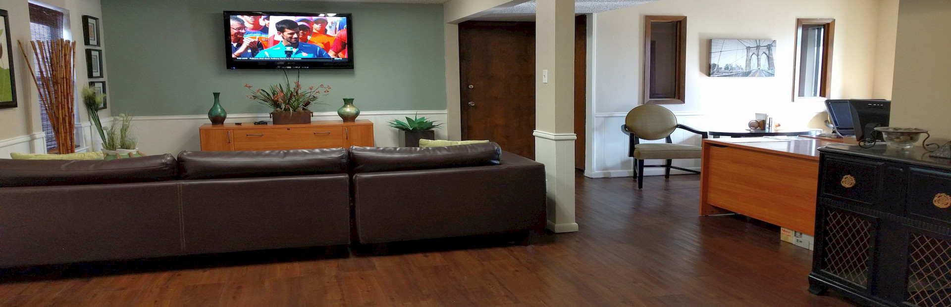 Men's Highland Heights Sober Home Living Room